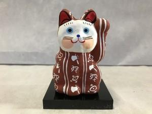8号サイズ 和柄招き猫 「斧琴菊」 茶 左手挙げ
