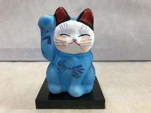 8号サイズ  和柄招き猫  「熨斗鮑」 青 右手挙げ