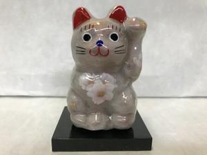 8号サイズ クリスタル招き猫 左手挙げ 桜 朝靄