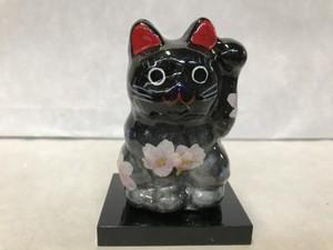 8号サイズ クリスタル招き猫 左手挙げ 桜 黒銀