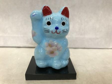8号サイズ クリスタル招き猫 右手挙げ 桜 水色