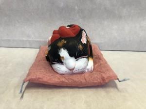 眠り猫・大 三毛猫