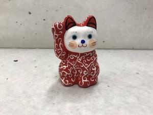 8号サイズ 和柄招き猫「唐草」赤色 右手